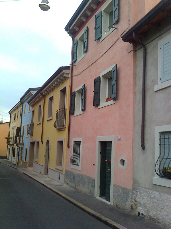 15-Colori nelle case di Via Torrente Vecchio